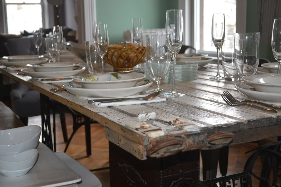 Here Are Six DIY Table Suggestions Using Common Wooden
