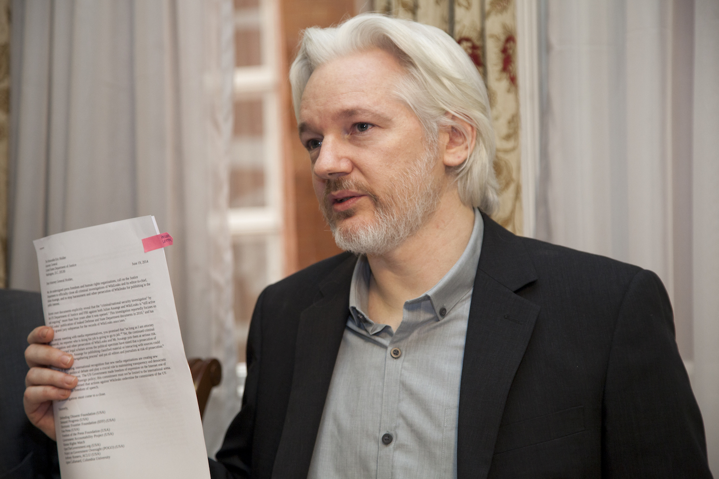 Image: Ecuador govt claims Assange was 'interfering' with the US election so they silenced him